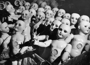 http-a-amz-mshcdn-com-wp-content-uploads-2016-02-dollfactories-1