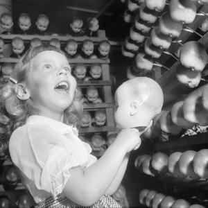 http-a-amz-mshcdn-com-wp-content-uploads-2016-02-dollfactories-9